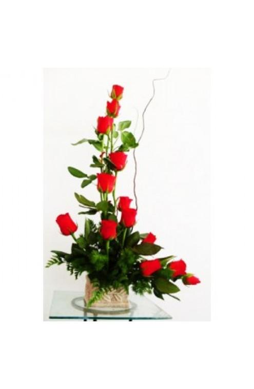 "12 Rosas Rojas en Forma de ""L # 3001"